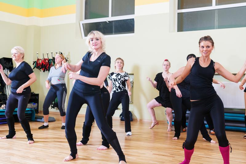 רוקדים עלידבית - URBAN DANCE
